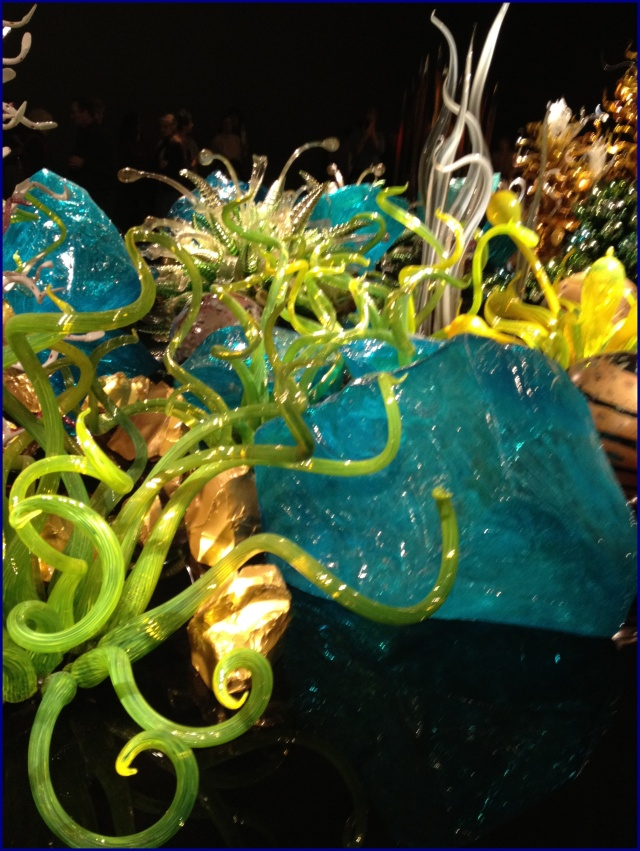 Chihuly lagoon rocks et all