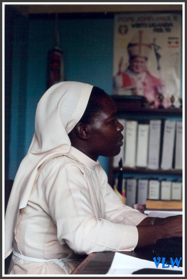 Uganda nun 2000 (2)