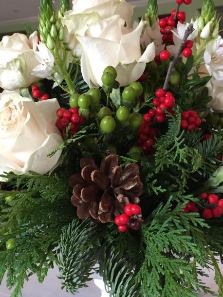 White roses pine cone W Inn dec 14