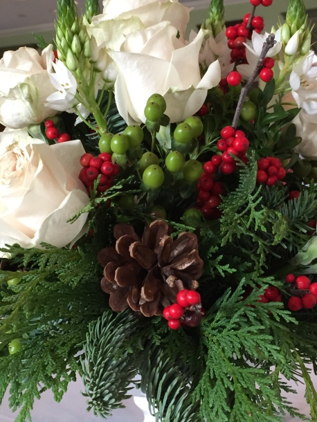White roses pine cone W Inn dec 14
