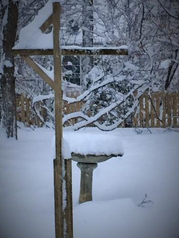 02 26 Snowy fountain